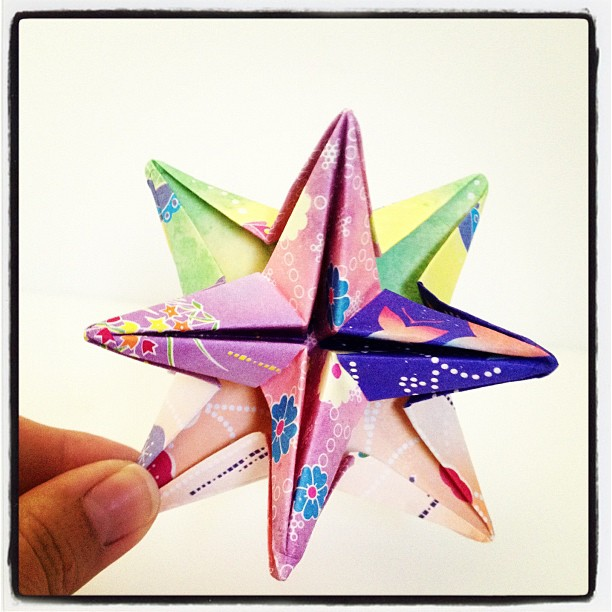 Modular Money Origami Star from 5 Bills - How to Fold Step by Step | 612x612