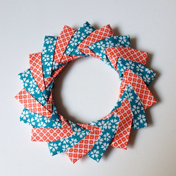 Modular Origami Wreath with 18 Modules