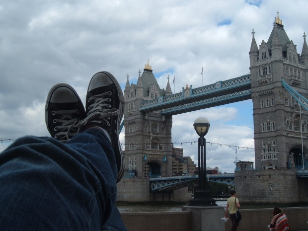 Anna Harris Converse Tower Bridge 2005