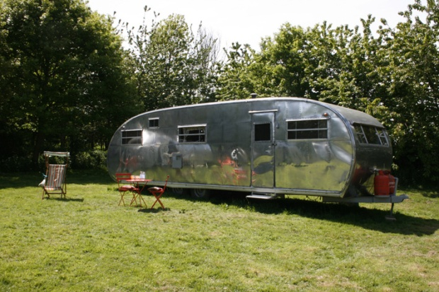 Not the trailer I'll be staying in, but the real thing looks a lot like this. Click through to check out this gorgeous 1954 Spartanette!